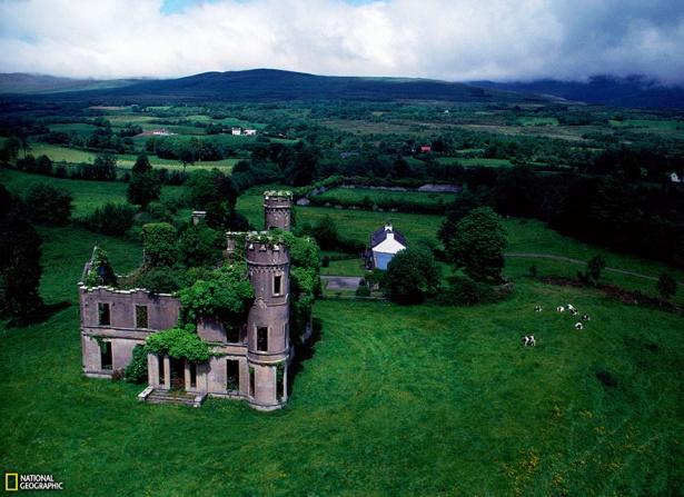 13. Conac abandonat în apropiere de Kilgarvan, Irlanda.