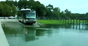 autocarul-amfibie