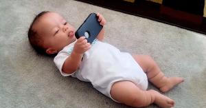 bebe-si-telefonul
