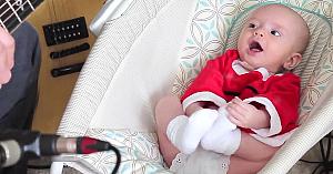 """Tatăl îi cântă fetiţei propria versiune a melodiei """"Jingle Bells"""". Reacţia ei a cucerit internetul"""