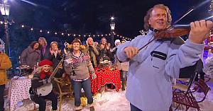 De Crăciun, André Rieu şi orchestra sa minunată ne aduc în dar cea mai frumoasă reprezentaţie