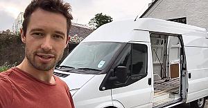 Prietenii lui au râs când au aflat că vrea să trăiască într-o camionetă. 17 zile mai târziu au rămas fără cuvinte