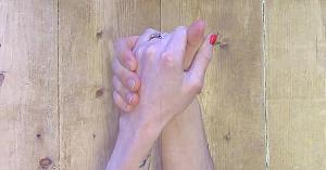Doi îndrăgostiţi au căutat cea mai frumoasă cale pentru a obţine o amintire de neuitat. Rezultatul este spectaculos!