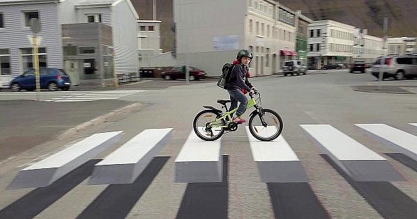 Autorităţile din Islanda au implementat aceste treceri de pietoni. Iată ce se întâmplă când o maşină ajunge la ele!