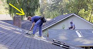 Aceşti muncitori au fost chemaţi să repare acoperişul. Dar când muzica începe? Am râs cu lacrimi