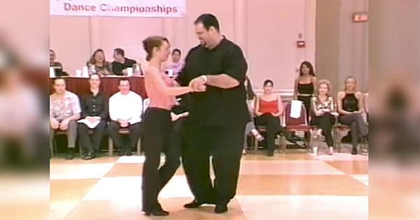 Mulţi l-au crezut prea gras pentru acest dans, dar nici nu începe bine să danseze şi toţi rămân uimiţi