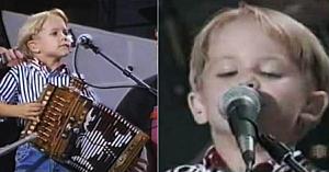Un băieţel de 4 ani urcă pe scenă în faţa a zeci de mii de oameni. Câteva clipe mai târziu publicul e în delir