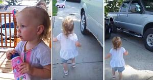 Fetiţa realizează că tatăl a ajuns acasă. Mama porneşte filmarea exact la timp pentru a surprinde acest moment nepreţuit