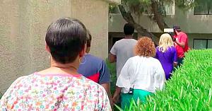 Asistenta de la oncologie urmează o familie rămasă pe drumuri. Ce se întâmplă apoi o prinde complet cu garda jos