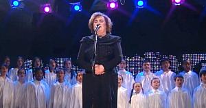 Nimeni nu cântă melodii de Crăciun cum o face Céline Dion, dar ascultaţi-o pe Susan Boyle lăsându-i pe toţi fără cuvinte