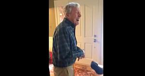 Bunicul aude telefonul sunând, dar nu îl poate localiza. Unde îl găsesc cei din familie i-a făcut pe toţi să se amuze teribil