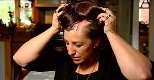 În doar câteva secunde, această mamă a rămas fără o bună parte din păr. Acum vrea să avertizeze femeile din întreaga lume