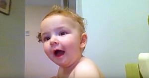 Şi-a rugat bebeluşul să cânte refrenul preferat, iar aceasta va rămâne cea mai drăgălaşă interpretare din istorie