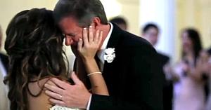 La jumătatea dansului tată-fiică, o voce întrerupe melodia şi îl face pe acest bărbat să izbucnească în lacrimi