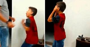 Lacrimile curg atunci când un băiat surd aude pentru prima dată vocea tatălui său: Doar priviţi